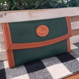 Vintage Dooney & Bourke Style Wallet